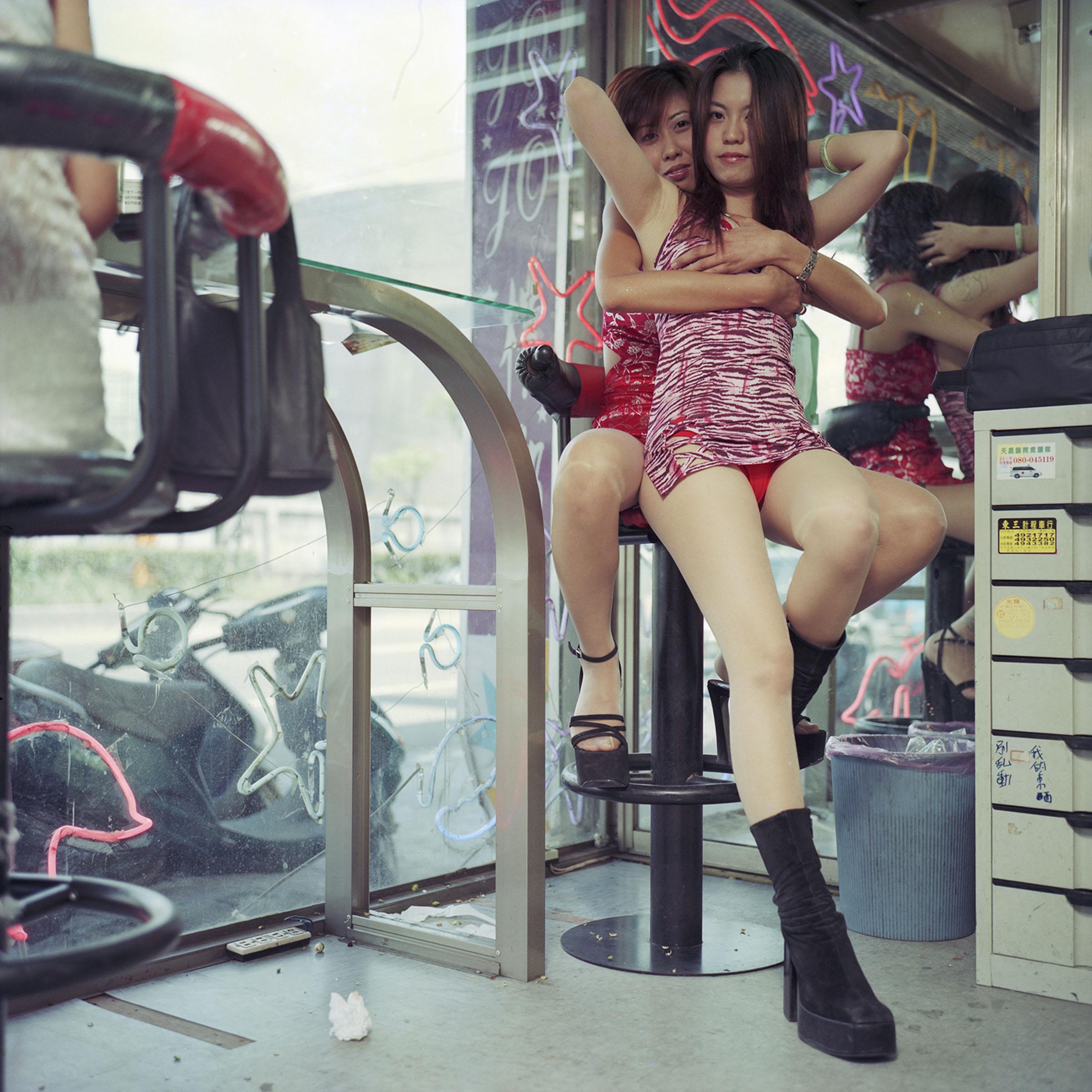 片刻濃妝:檳榔西施 | 台灣當代藝術資料庫